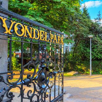 Poort van het vondelpark in Amsterdam