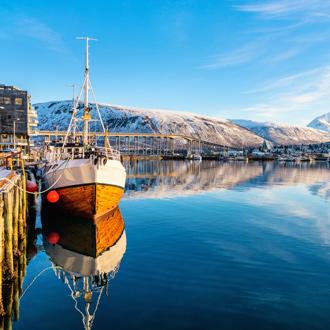 Winterlandschap en water bij Tromso