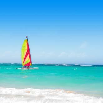 Zeiler op zee bij de Dominicaanse Republiek