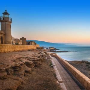 Zonsopgang aan de kust van Roquetas de Mar, Spanje