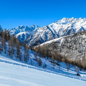 Besneeuwde bergen in Karinthie