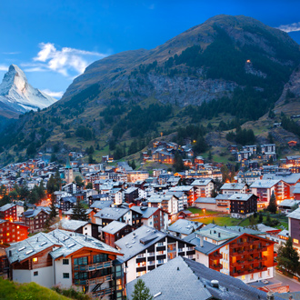 Dorp van Zermatt met de Matterhorn top op de achtergrond