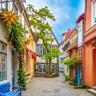 Foto van kleurrijke huizen in historisch Schnoor-Viertel in Bremen