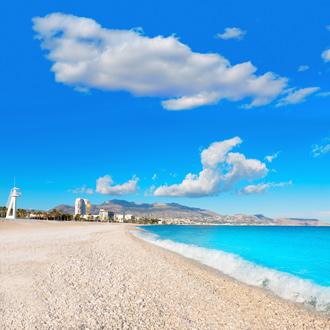Het mooie strand van Albir