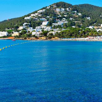 Uitzicht op de kustlijn van Santa Eulalia, Ibiza