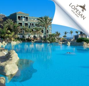 Zwembad van LOPESAN Hotel Group