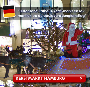 Kerstmanpop met rendieren in Hamburg