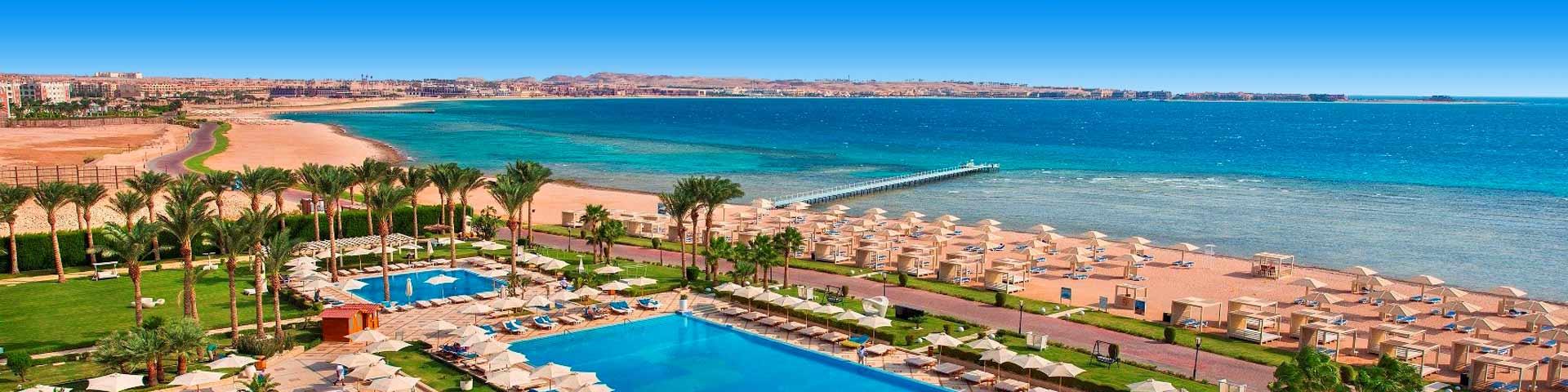 Aan het strand gelegen luxe adults only resort met zwembad en bali-bedden