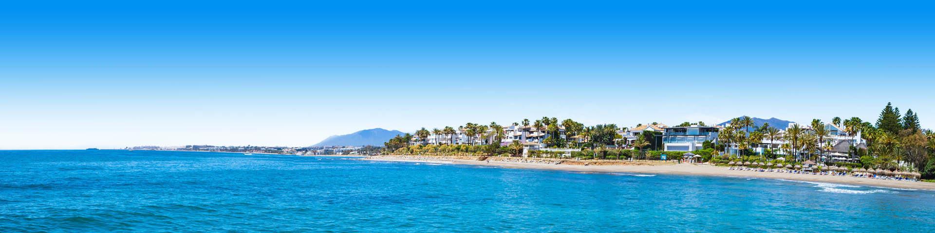 Zee met uitzicht op de kust van de Costa del Sol, Spanje
