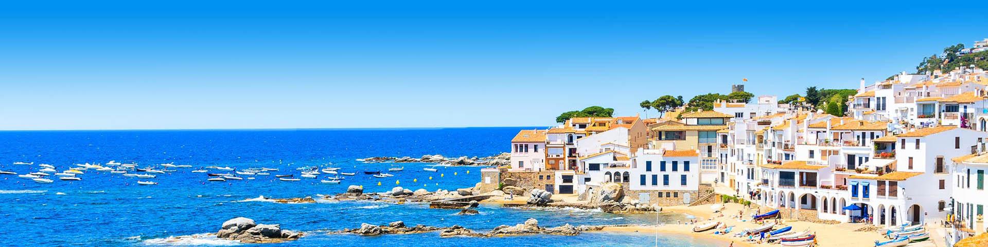 Aan de waterkant met prachtige Spaanse huisjes.