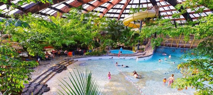 Zwembad van Center Parcs de Huttenheugte