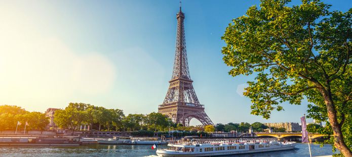 Uitzicht op de Eiffeltoren in Parijs