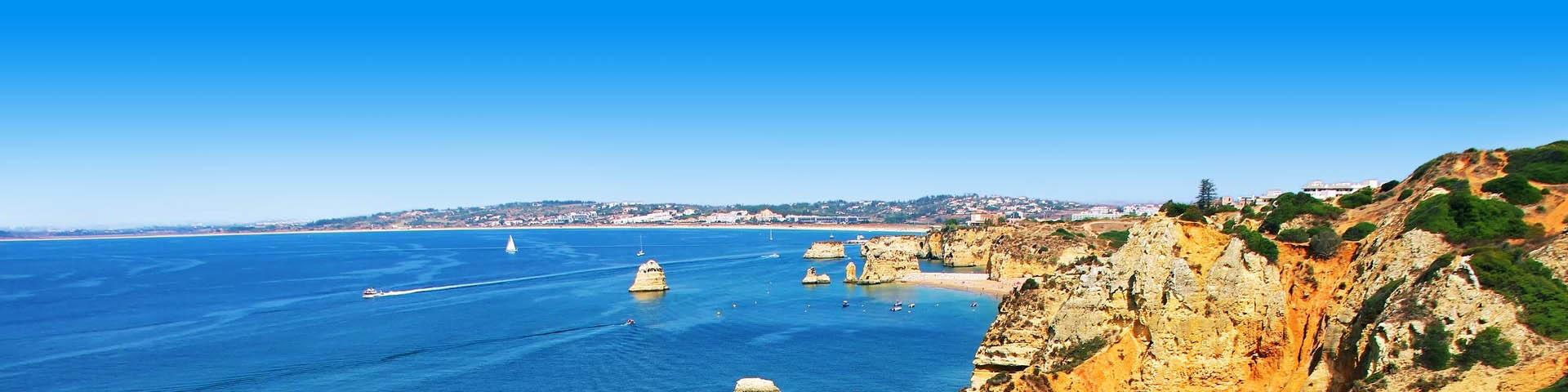 Prachtige rotsachtige kust in Portugal