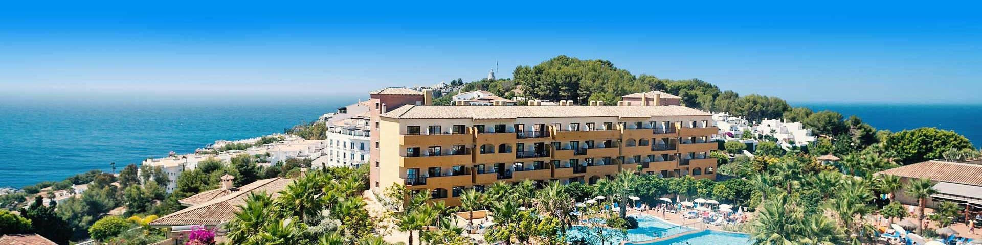 Uitzicht op een hotelgebouw van hotelketen Best