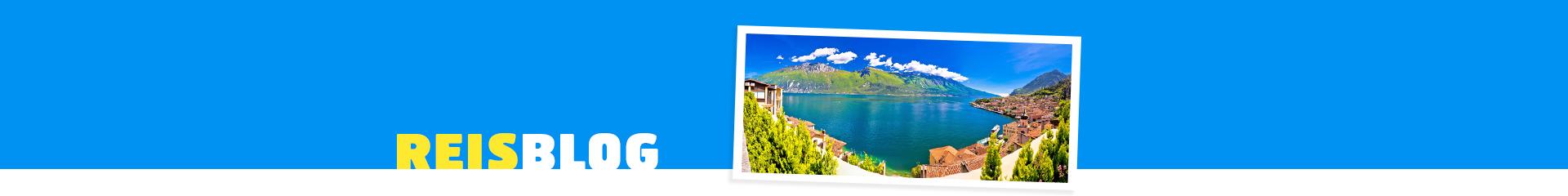 Uitzicht over het Gardameer en de bergen