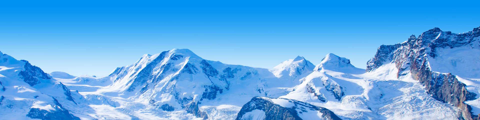 Prachtig landschap in Zwitserland met besneeuwde bergen.