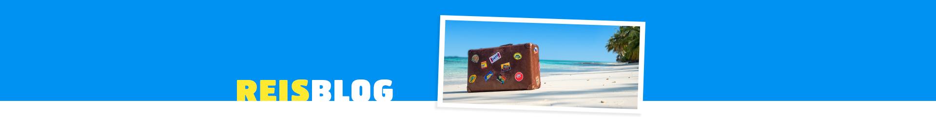 koffer op strand
