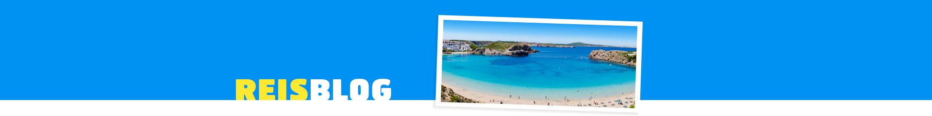 Prachtige blauwe zee van Menorca