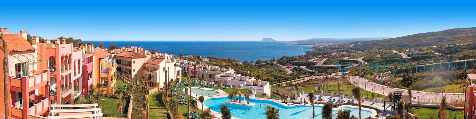 Uitzicht vanaf Pierre et Vacances Terrazas over de baai van Manilva Costa del Sol